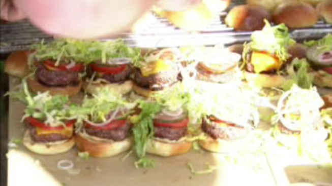 'Burger Brawl' Raises Money for Good Cause