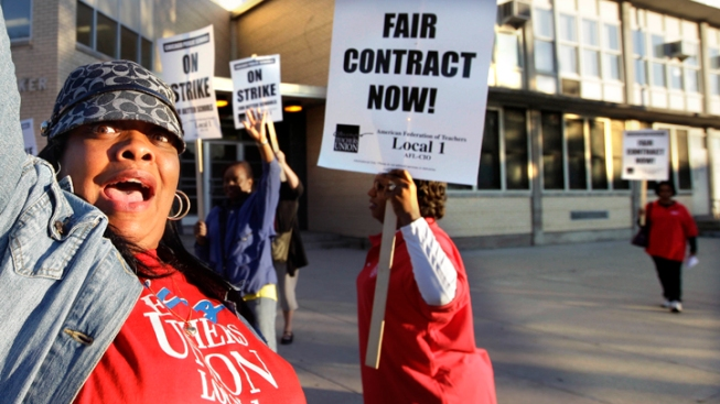 School Board Gives New Offer to Union