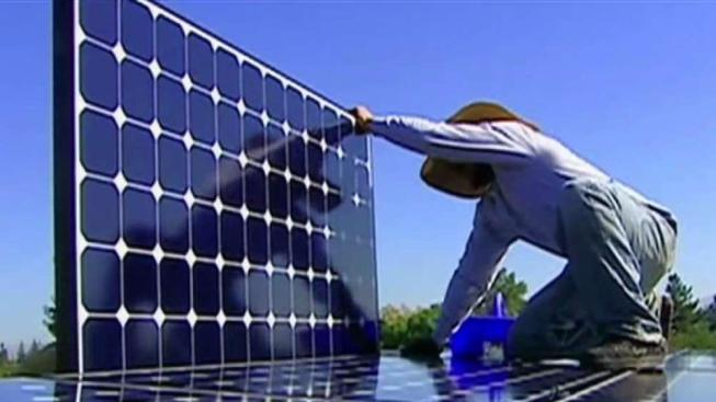 California Becomes First State to Mandate Solar Power for New Homes