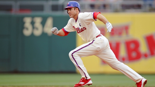 Utley, Lee Lead Phillies to 7-1 Win Over Cubs