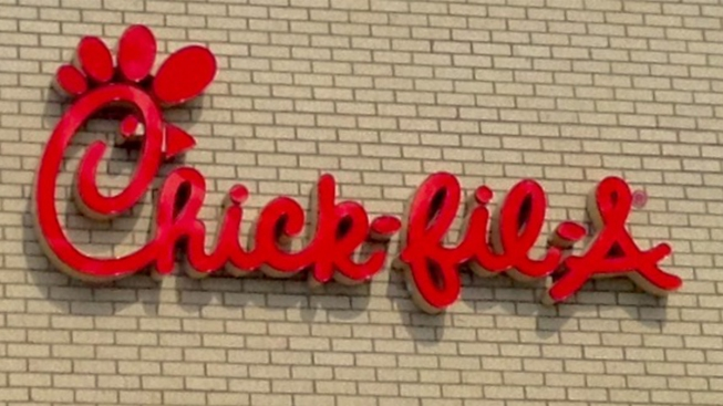 "Chick-fil-A Protest Shifts from ""Eat-in"" to ""Kiss-in"""