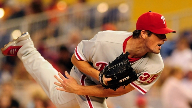 Hamels Sharp in His Finale, Phils Top Marlins 4-1