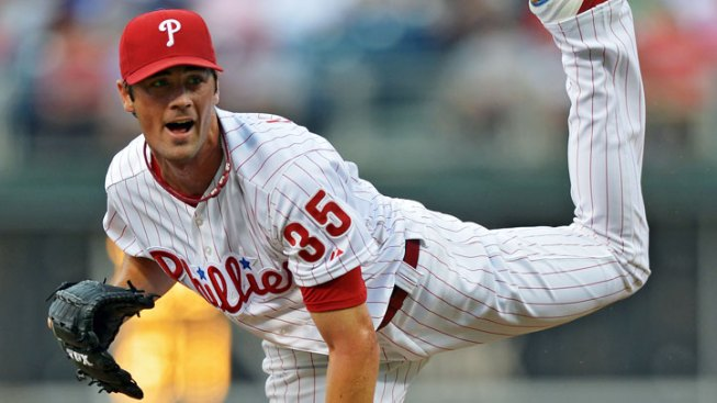 Phils Pull Out a 4-3 Win Over Brewers