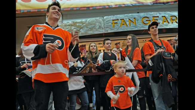 Spotlight! Flyers Wives Carnival
