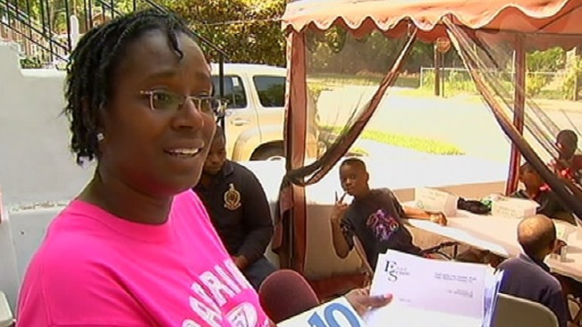 Free Lunch Lady Gets Support From Township