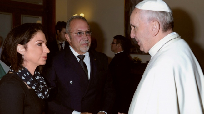 Gloria and Emilio Estefan Went to Private Mass with Pope Francis