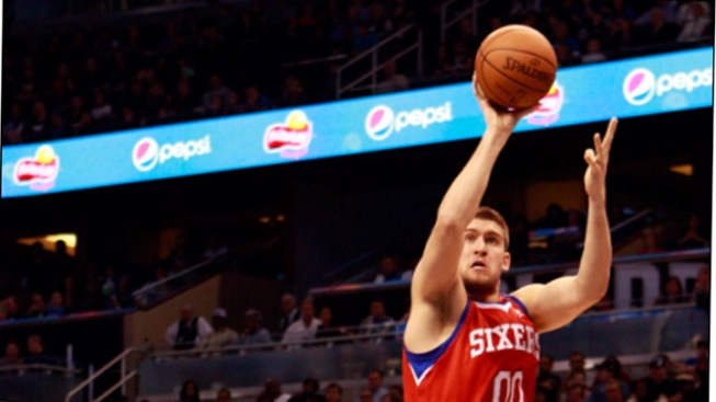 Sixers Bring Back Hawes