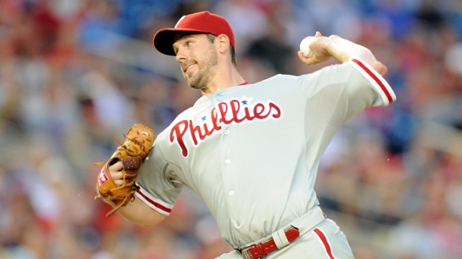 Lee Stays With Phils, Beats Nats