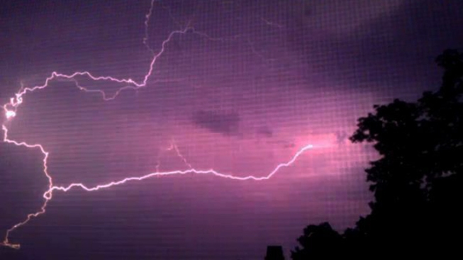 Pregnant Woman Killed by Lightning