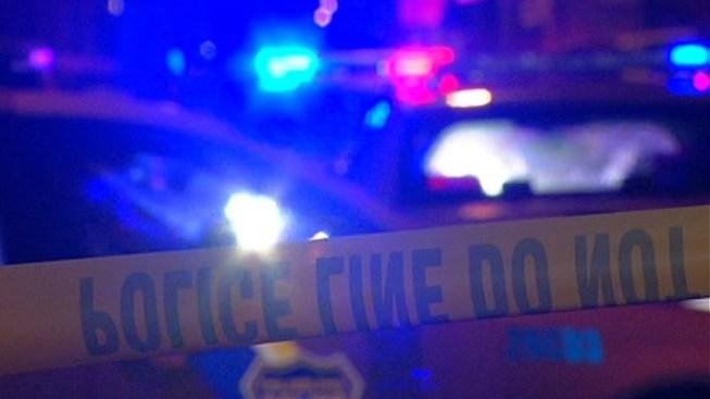 Gunman Robs 2 People at Del. Shopping Center