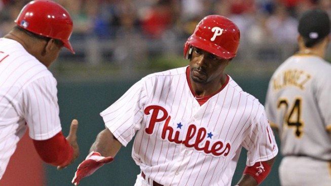 Rollins, Blanton Lead Phils Over Pirates