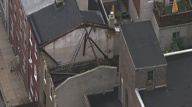 Roof Collapse in Kensington Injures 1