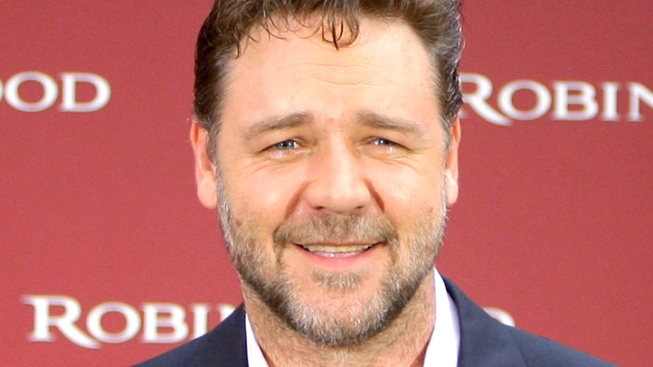 Russell Crowe Posts UFO Sighting