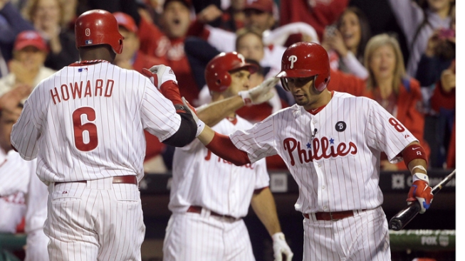 Howard's HR Backs Halladay, Phils Win Game 1