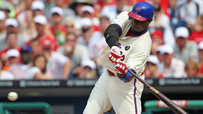 Howard Has 3 Hits, Leads Phillies Over Cubs