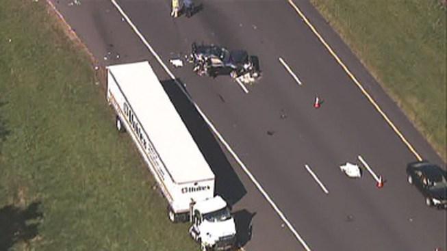 1 Dead, 1 Hurt in Tractor Trailer Crash