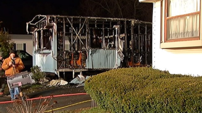 1 Dead, 1 Hurt in Trailer Home Fire