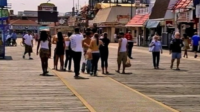 Officials Ban Smoking on Wildwood Boardwalk
