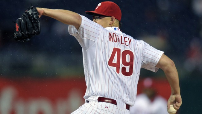 Worley, Ibanez Lead Phils Past Braves
