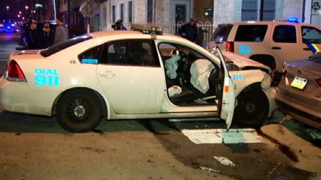 4 Injured in Philly Police Cruiser Crash