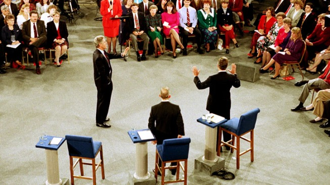 """""""Town Hall"""" Debates Tricky for Candidates"""