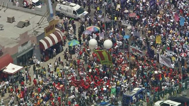 Thousands Rally Across U.S. for Immigration Reform