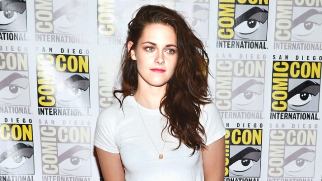 "Kristen Stewart Talks Going Topless For ""On The Road"""