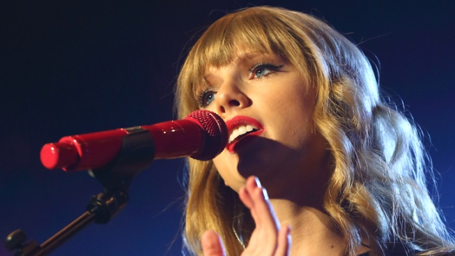 Newly Single Taylor Swift Announces Next Concert Tour