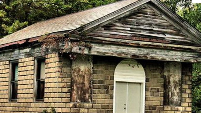 Fans Fight to Save Famed Cemetery Chapel