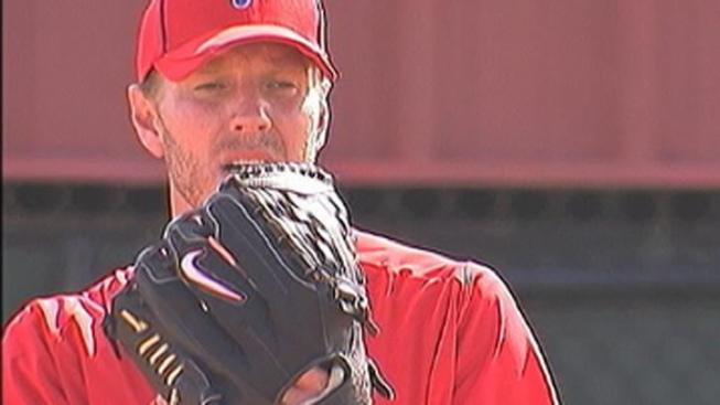 Halladay, Phillies Beat Orioles in Florida