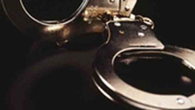 Man Indecently Assaults Teen Girl: Cops