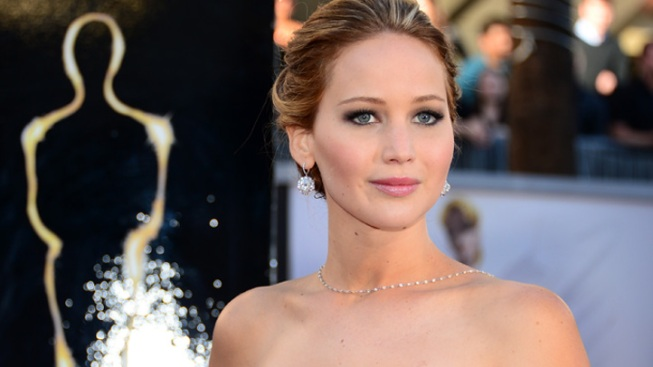"Jennifer Lawrence's ""Silver Linings Playbook"" Costumes Up for Auction"