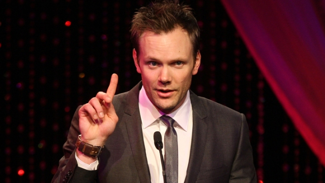 "NJ Dwarf Couple Sues ""The Soup,"" Joel McHale"