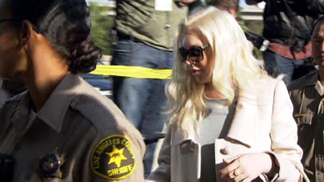 Lindsay Lohan on Schedule to Complete Probation
