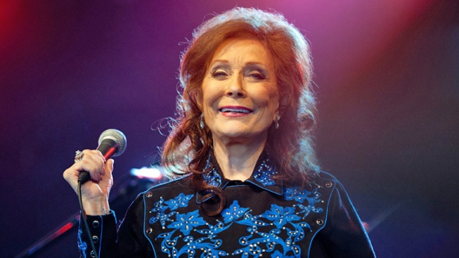 Loretta Lynn Hospitalized