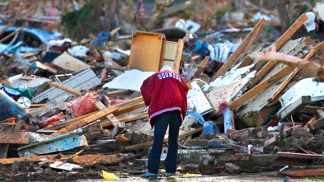 Philly Reacts to Oklahoma Tornado on Twitter