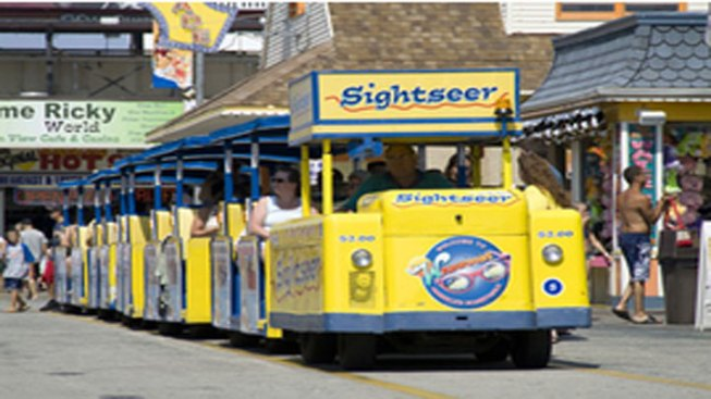 Watch the Globetrotters Tram Car, Please