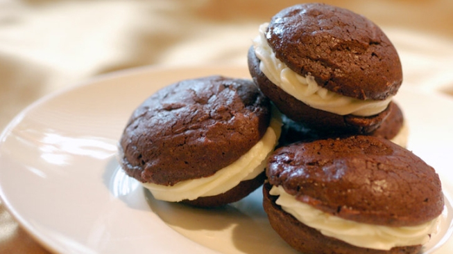Pa. to Maine: Whoopie Pie Is Ours, Stick With Lobster