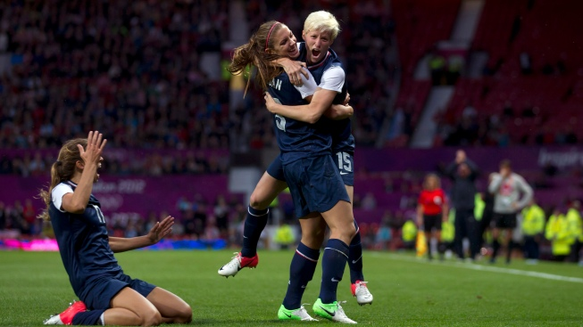 U.S. Women's Soccer Team Beats Canada in 4-3 in O.T.