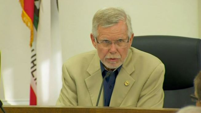 """Man in Dog Poop Controversy """"Gratified"""" Over Mayor's Resignation"""