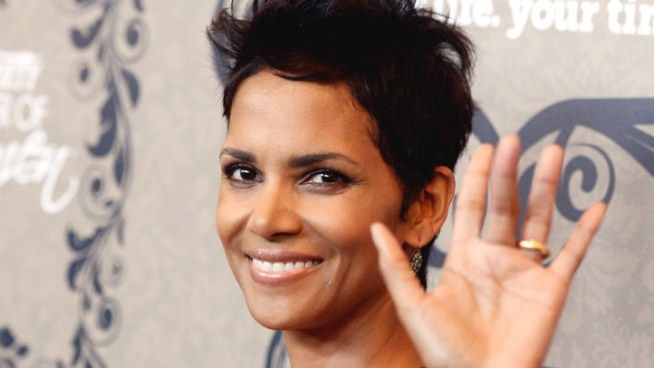 Halle Berry chats with Access at Variety's 4th Annual Power of Women Luncheon, touching on what it was like to work with Tom Hanks on their new movie,