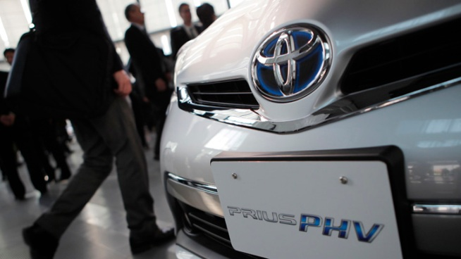 Toyota Recalls 2.8M Cars for Steering Defect