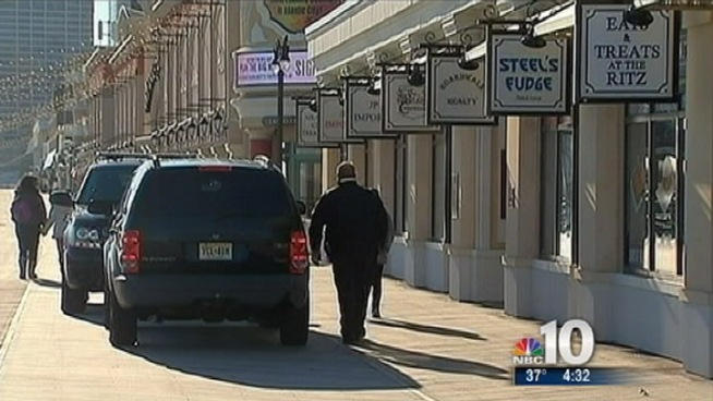 A fudge shop on the boardwalk in Atlantic City was robbed this afternoon, police say. According to the officials, a man held a worker at Steel's Fudge at gunpoint and made off with some cash. NBC10's Ted Greenberg reports.