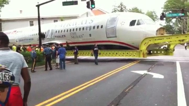 D'Arcy Dispiriti sent NBC10 this video of the U.S. Airways plane that crash landed in the Hudson River, being transported from New York to North Carolina.  The plane got stuck at an intersection in Moorestown, N.J.