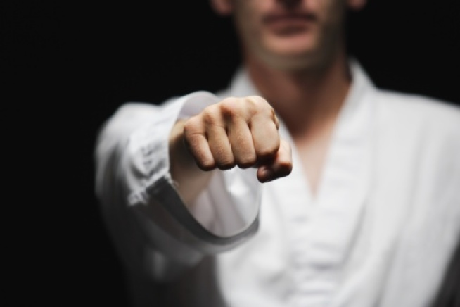 Teacher Uses Kung Fu to Fight Off Would-Be Robber
