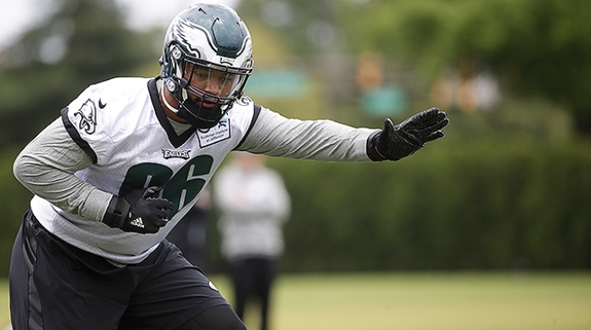 Derek Barnett Signs 4-year Rookie Deal With Eagles