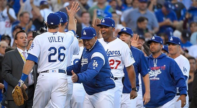 Turner, Dodgers steamroll Mets, 8-0