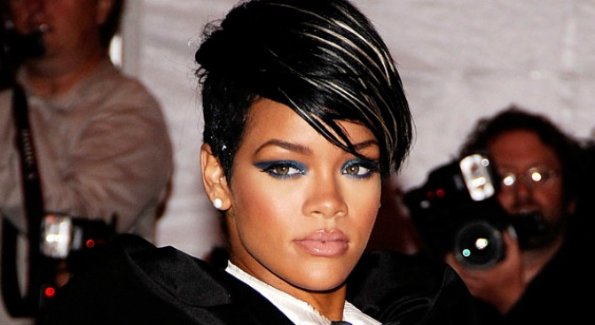 Rihanna Disses Brown With New Track