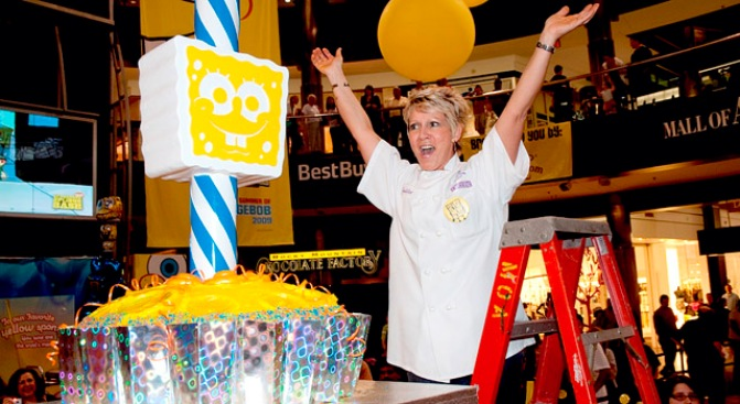 151 Pound Cupcake Breaks World Record