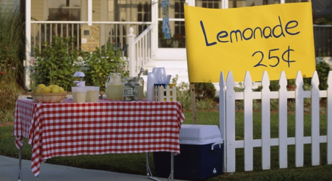 Kids' Lemonade Stand Shut Down By Cops